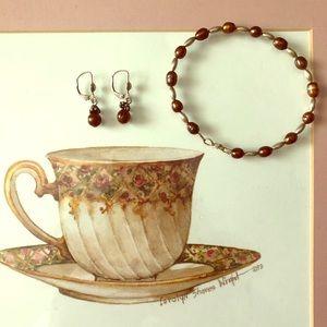 Freshwater pearl bracelet & earrings set